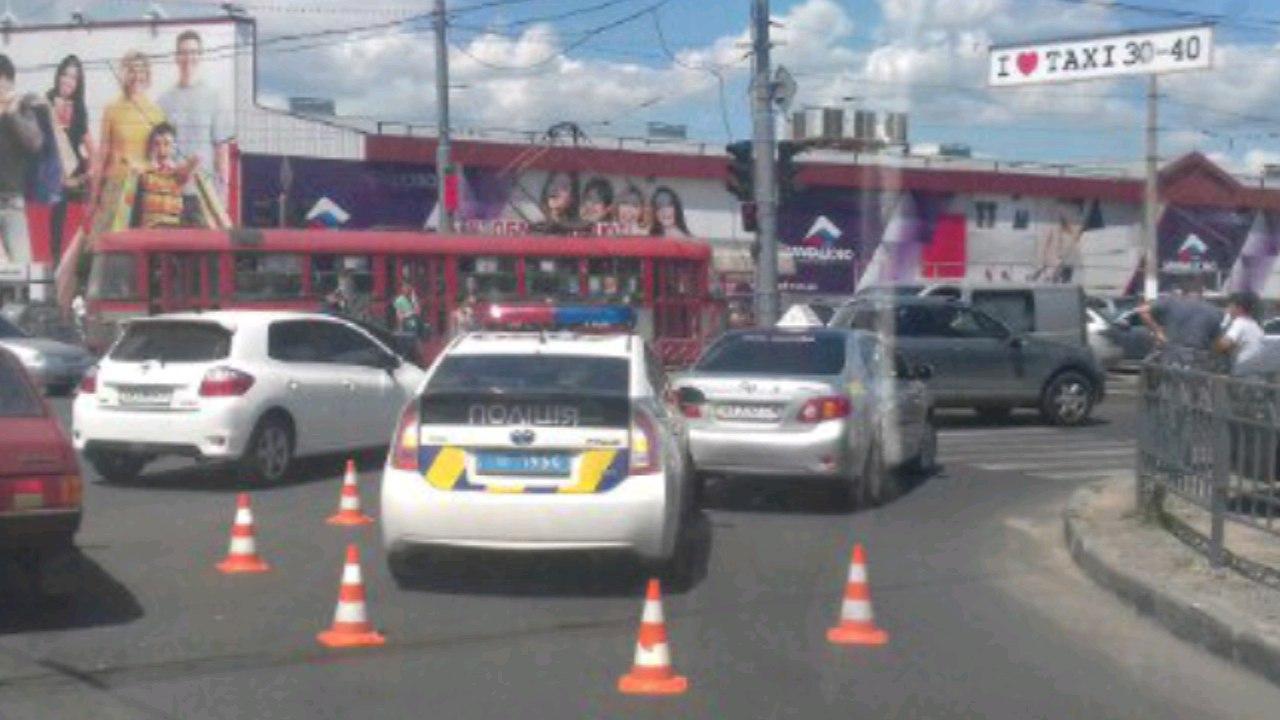 Очевидці повідомили про ДТП з копами у Харкові  - фото 2