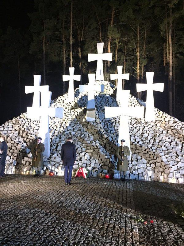 Дуда у Києві вшанував жертв політичних репресій - фото 2