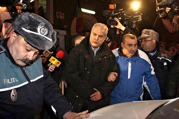 Людина яка переламала систему в Румунії та поборола корупцію - фото 5