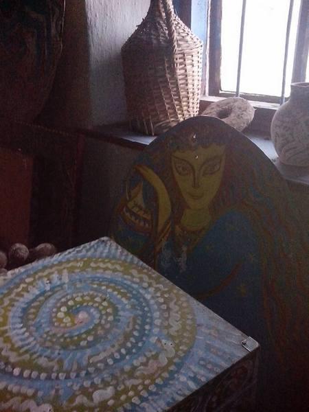 Столичний митець, який поселився у селі, розмальовує хати  - фото 6