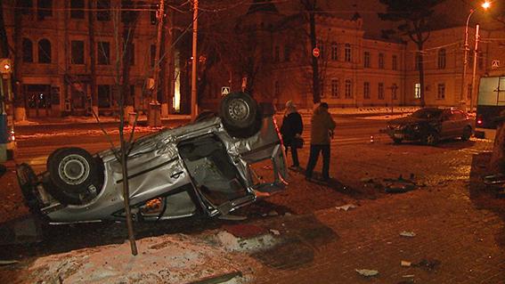 У центрі Вінниці загинув водій  - фото 1