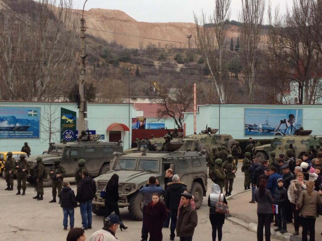 Хроніки окупації Криму: російські війська пішли в наступ - фото 6