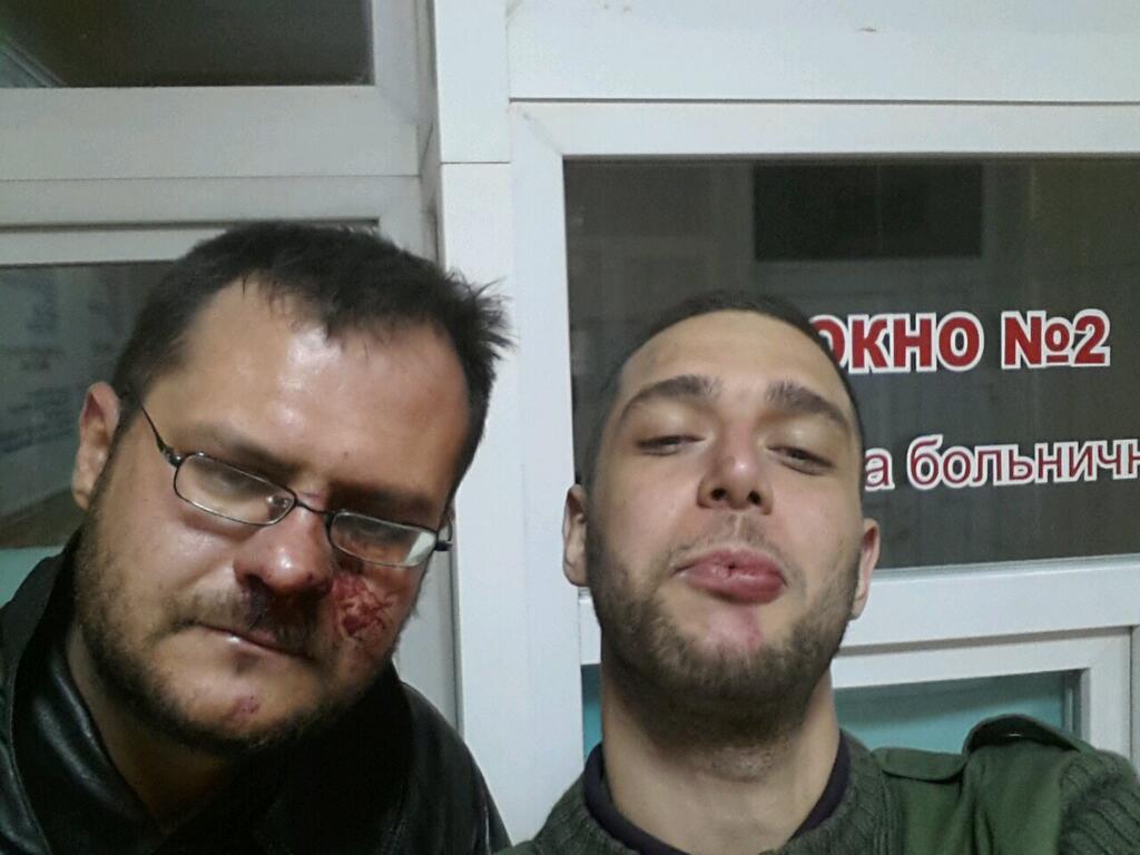 Хроніки окупації Криму: росіяни пішли на штурм, журналістам ламають ребра - фото 1