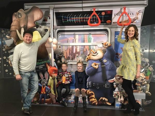 """Діти Бронюка не впізнали батька """"в ролі"""" слона Джамбо  - фото 2"""