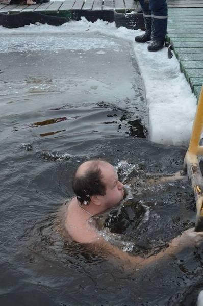Як Бронюк у Вінниці відкрив хрещенські купання  - фото 2