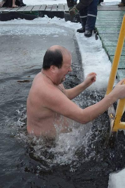 Як Бронюк у Вінниці відкрив хрещенські купання  - фото 4