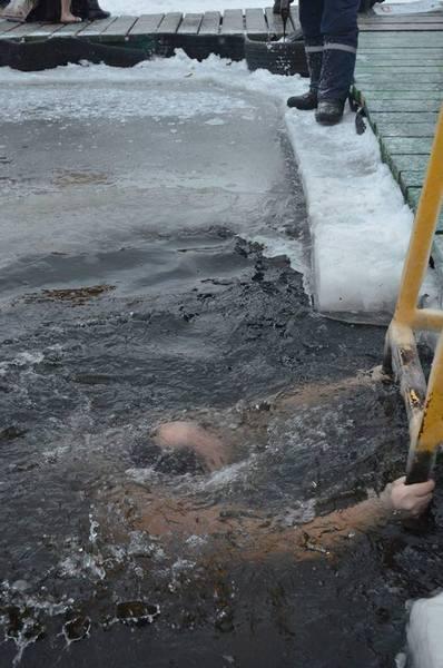 Як Бронюк у Вінниці відкрив хрещенські купання  - фото 3