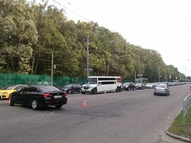 """На Бєлгородському шосе сталася """"ДТП на мільйон"""" (ФОТО) - фото 2"""