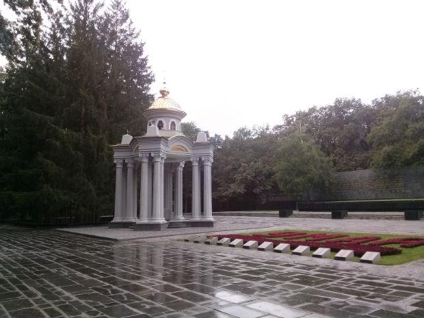 Як архітектори Кернеса схрестили богослужіння і Радянський Союз - фото 2