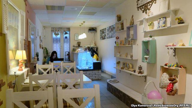 Лікар-переселенка з Донецька відкрила в центрі Києва кав'ярню - фото 1