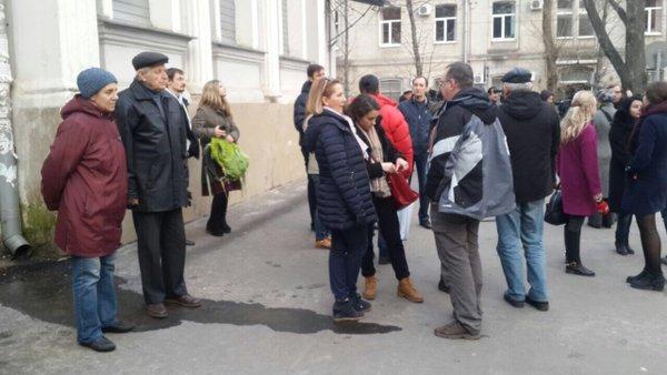Харків'яни під консульством Росії вимагають свободи для Савченко  - фото 1