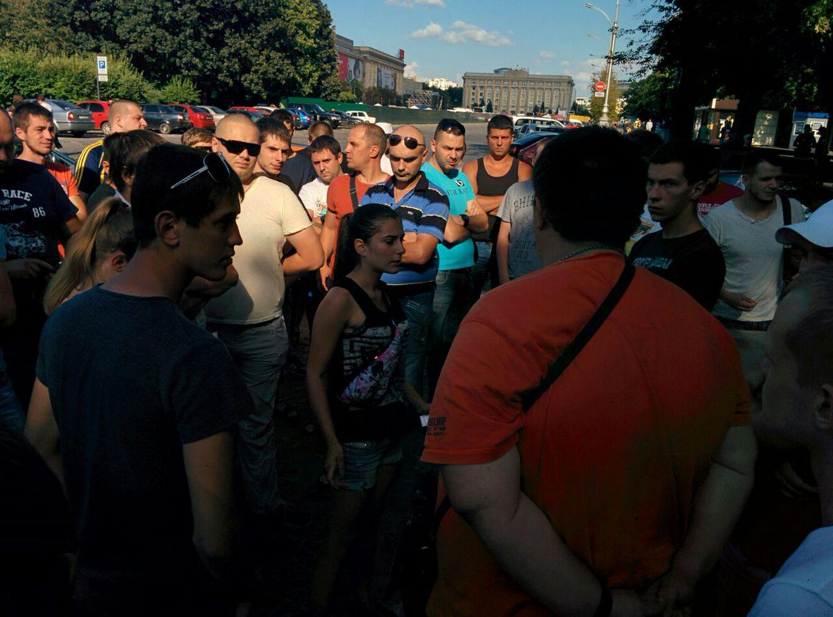 У центрі Харкова вимагають чесного розслідування смертельного ДТП з копами  - фото 3