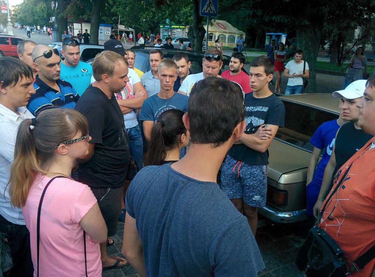 У центрі Харкова вимагають чесного розслідування смертельного ДТП з копами  - фото 1