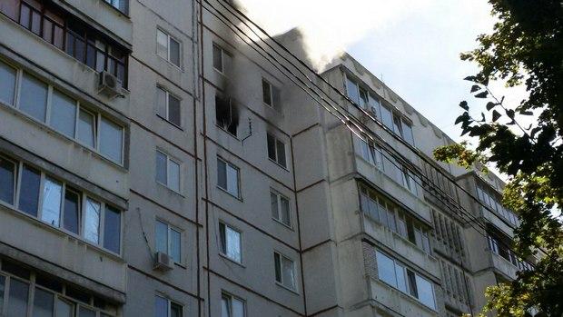 У Харкові під час пожежі в багатоповерхівці евакуювали дев'ять осіб - фото 2