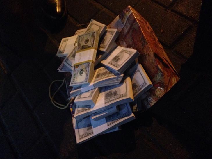 Зятя Ківалова затримали в Києві при отриманні хабаря в 150 тисяч доларів - фото 1