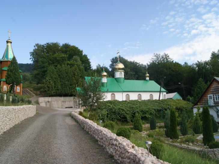 Зелені свята: Подорожуємо святими місцями Закарпаття - фото 5