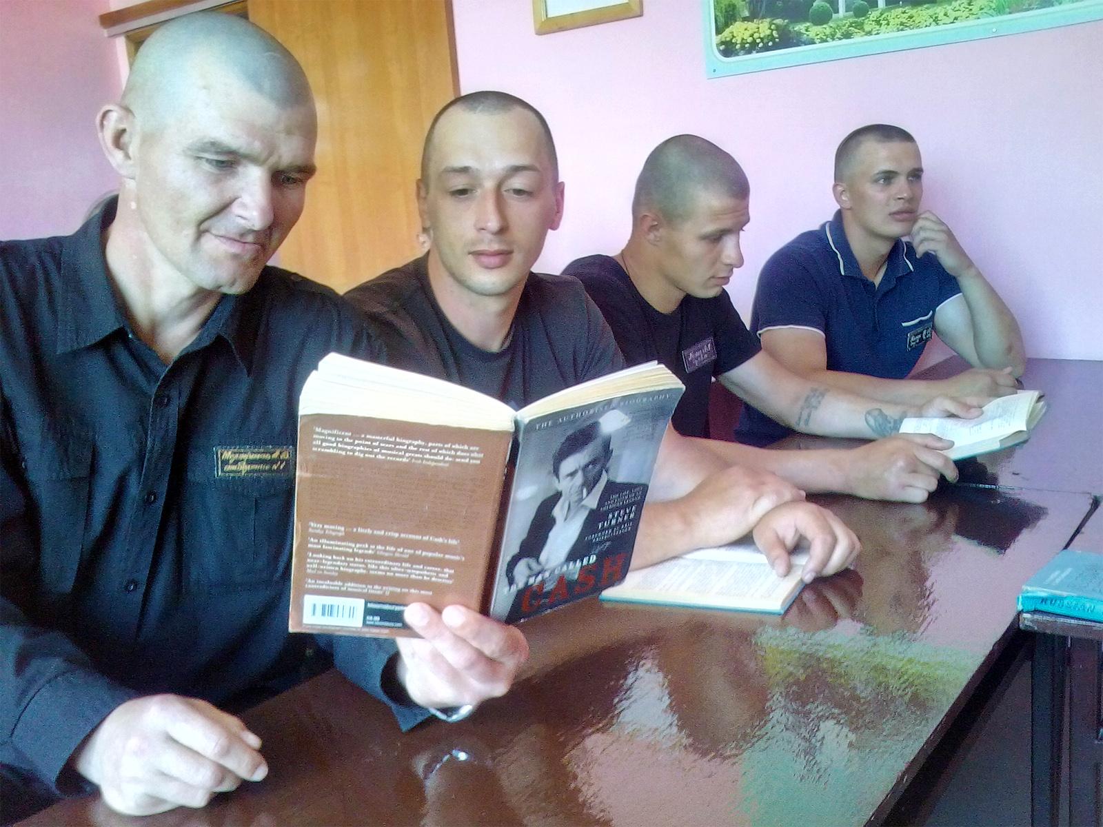 Харківські в'язні почали вивчати англійську  - фото 2