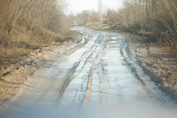 """Патрони, снаряди та грязюка - як виглядають дороги """"Лугандонії"""" - фото 3"""