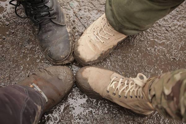 """Патрони, снаряди та грязюка - як виглядають дороги """"Лугандонії"""" - фото 7"""