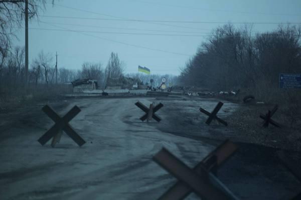 """Патрони, снаряди та грязюка - як виглядають дороги """"Лугандонії"""" - фото 4"""