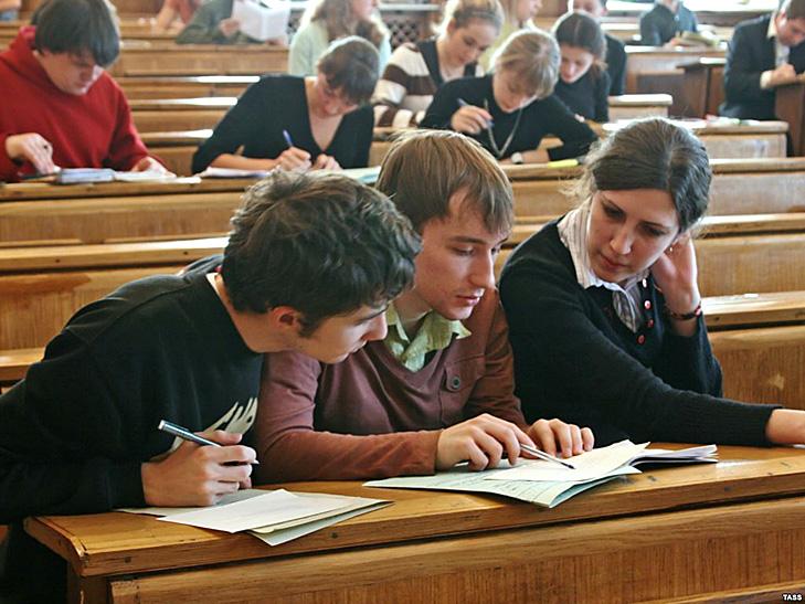 """Чи варто Мінфіну """"різати"""" українських студентів - фото 3"""