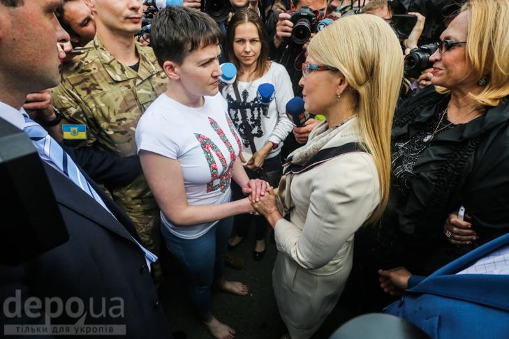 Перші кроки Надії Савченко на рідній землі (ФОТОРЕПОРТАЖ) - фото 8