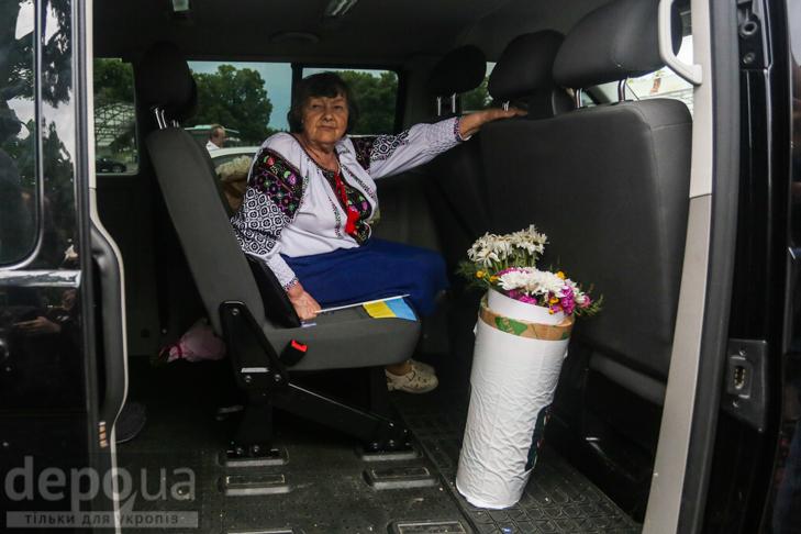 Перші кроки Надії Савченко на рідній землі (ФОТОРЕПОРТАЖ) - фото 11