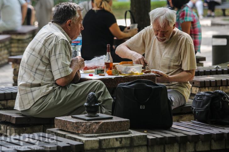 15 фотографій про те, що Київ неможливий без вуличної їжі - фото 13