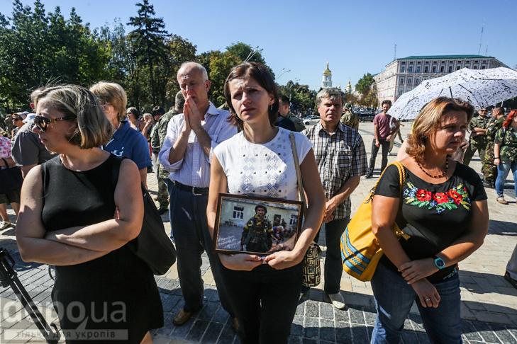 Як бійці добробатів поминали побратимів, загиблих під Іловайськом - фото 5