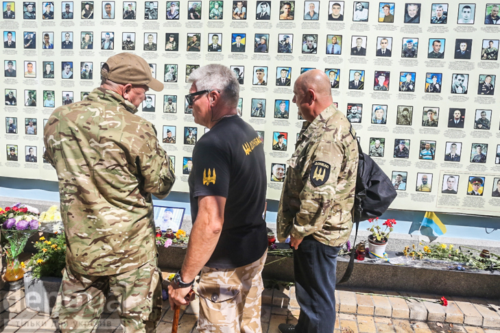 Як бійці добробатів поминали побратимів, загиблих під Іловайськом - фото 18