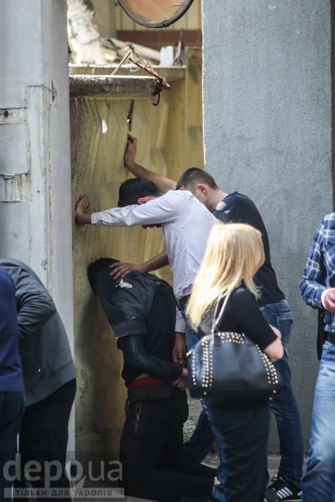 У центрі Києва сталася стрілянина - фото 8