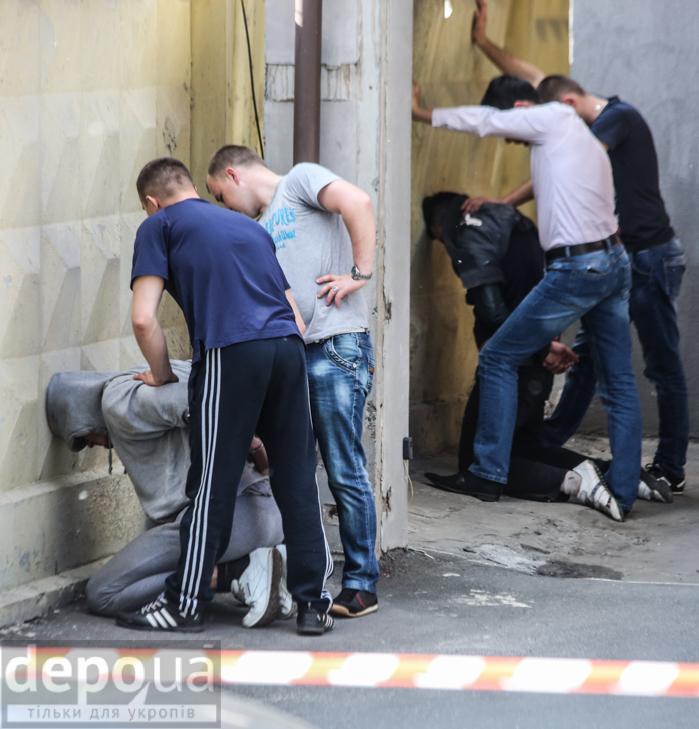 У центрі Києва сталася стрілянина - фото 9