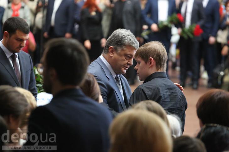 Як Україна прощалась з Павлом Шереметом (ФОТОРЕПОРТАЖ) - фото 29