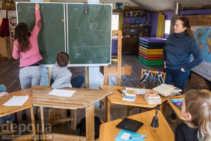"""Без оцінок і підручників: Як столичні діти здобувають освіту на """"Дослідах"""" і """"Теревенях"""" - фото 7"""
