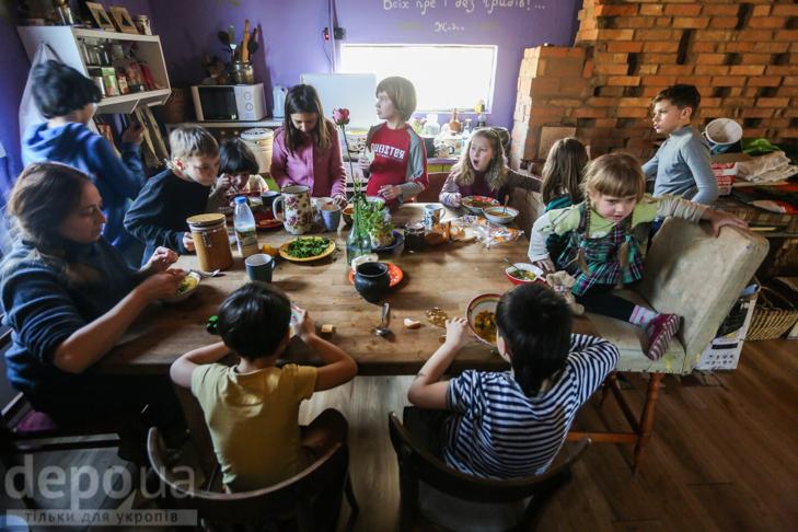 """Без оцінок і підручників: Як столичні діти здобувають освіту на """"Дослідах"""" і """"Теревенях"""" - фото 18"""