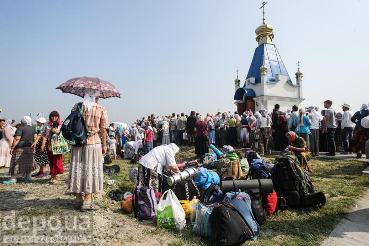 Як відпочивали під Борисполем учасники Хресної ходи - фото 6