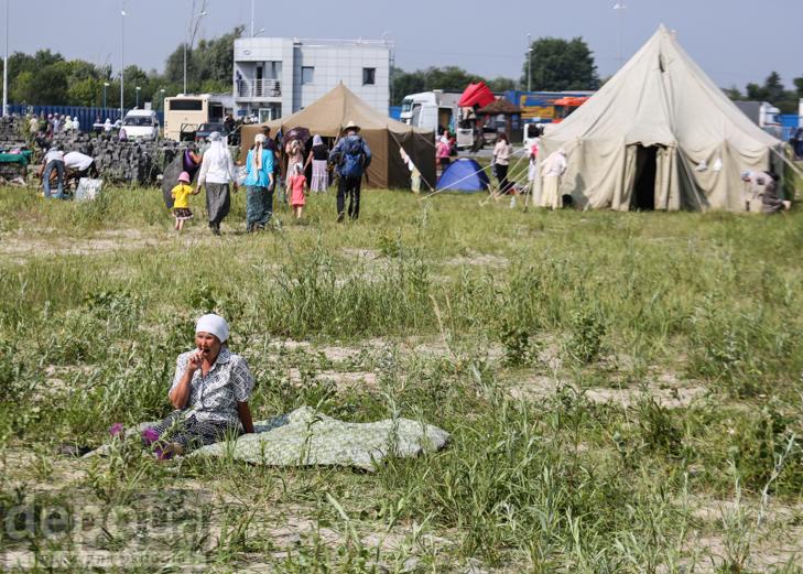Як відпочивали під Борисполем учасники Хресної ходи - фото 32