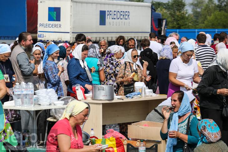Як відпочивали під Борисполем учасники Хресної ходи - фото 30