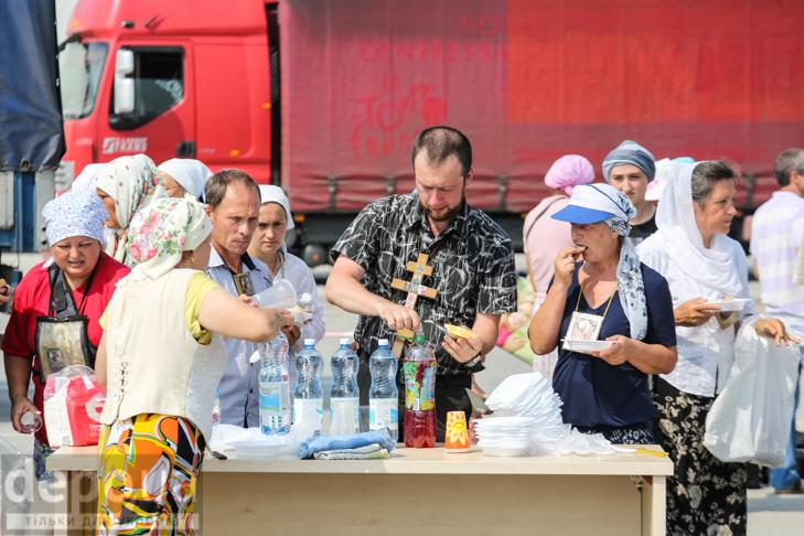 Як відпочивали під Борисполем учасники Хресної ходи - фото 31