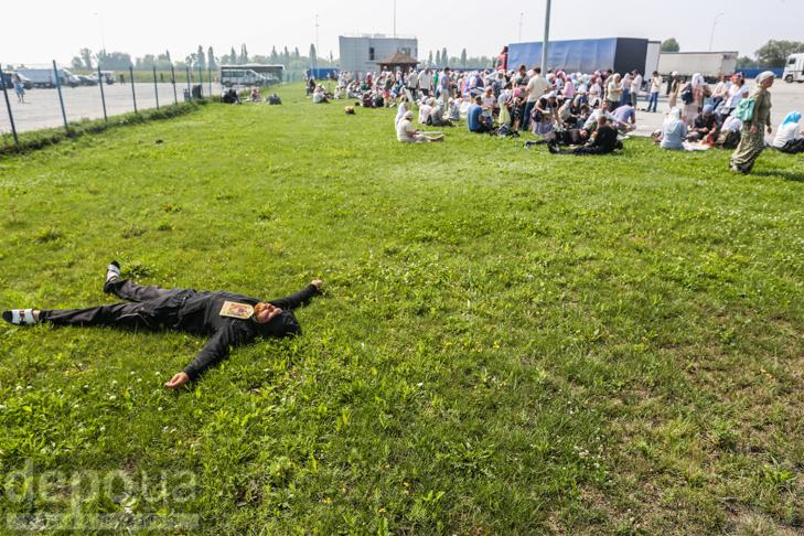 Як відпочивали під Борисполем учасники Хресної ходи - фото 33