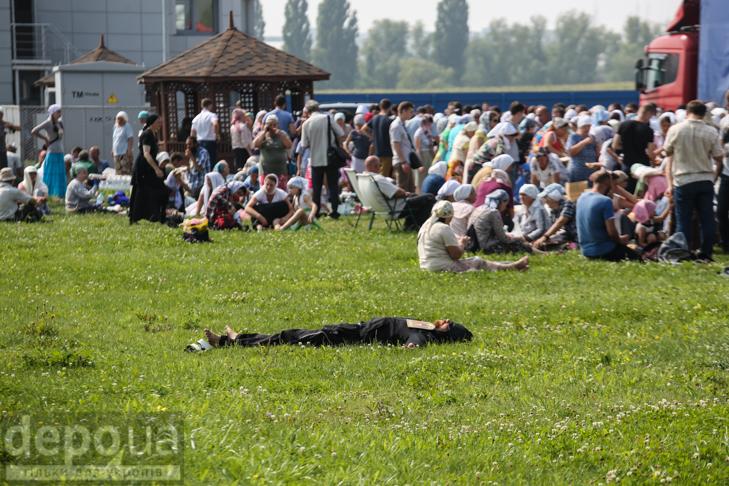 Як відпочивали під Борисполем учасники Хресної ходи - фото 28