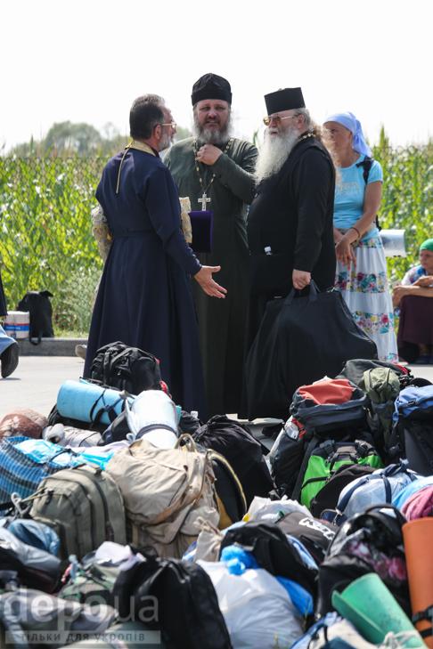 Як відпочивали під Борисполем учасники Хресної ходи - фото 14