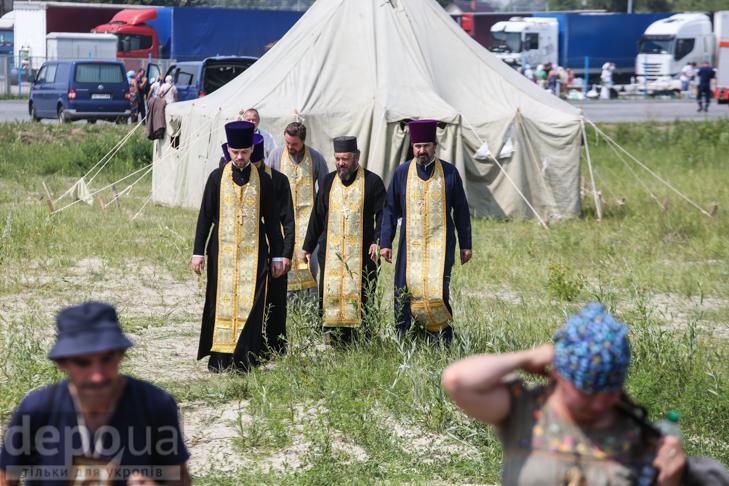 Як відпочивали під Борисполем учасники Хресної ходи - фото 4