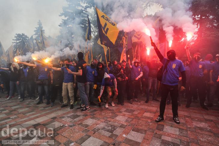 Чи поховає Білецький з «Азовом» Веймарську Україну? - фото 6