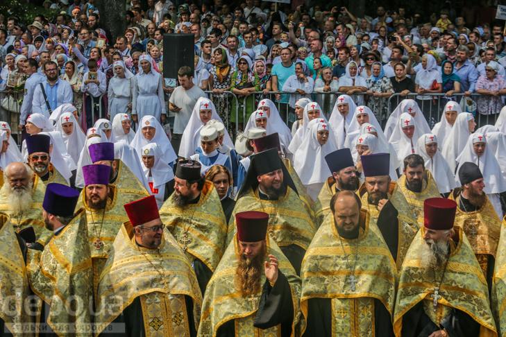 Як УПЦ МП хрестило Русь на Володимирській гірці - фото 17