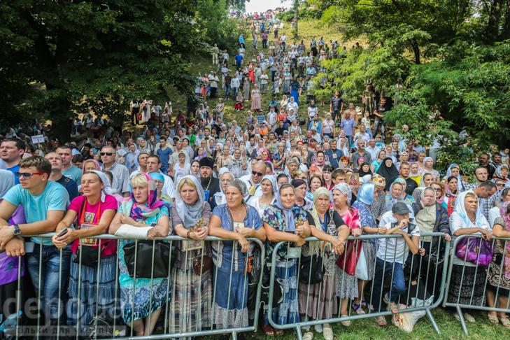 Як УПЦ МП хрестило Русь на Володимирській гірці - фото 18
