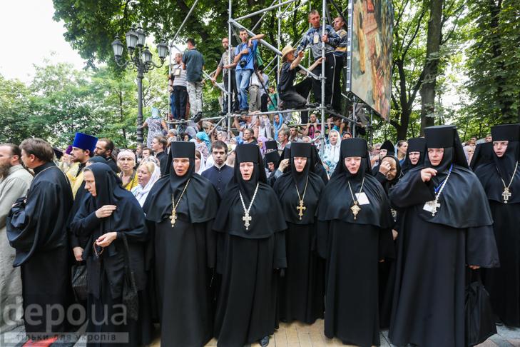 Як УПЦ МП хрестило Русь на Володимирській гірці - фото 21