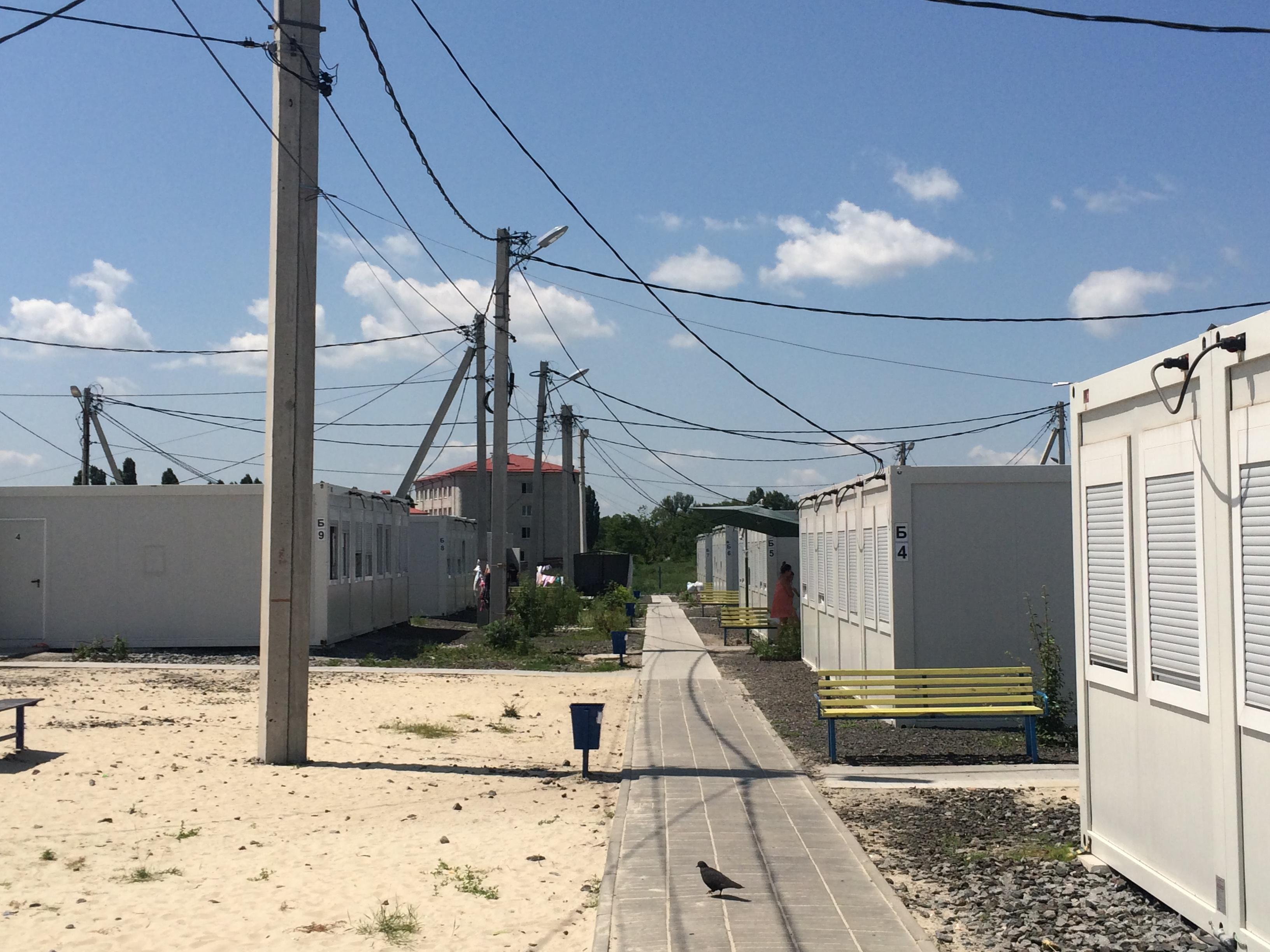 Платити втридорога: як у харківському модульному містечку переселенці з Донбасу переживають підвищення тарифів - фото 3
