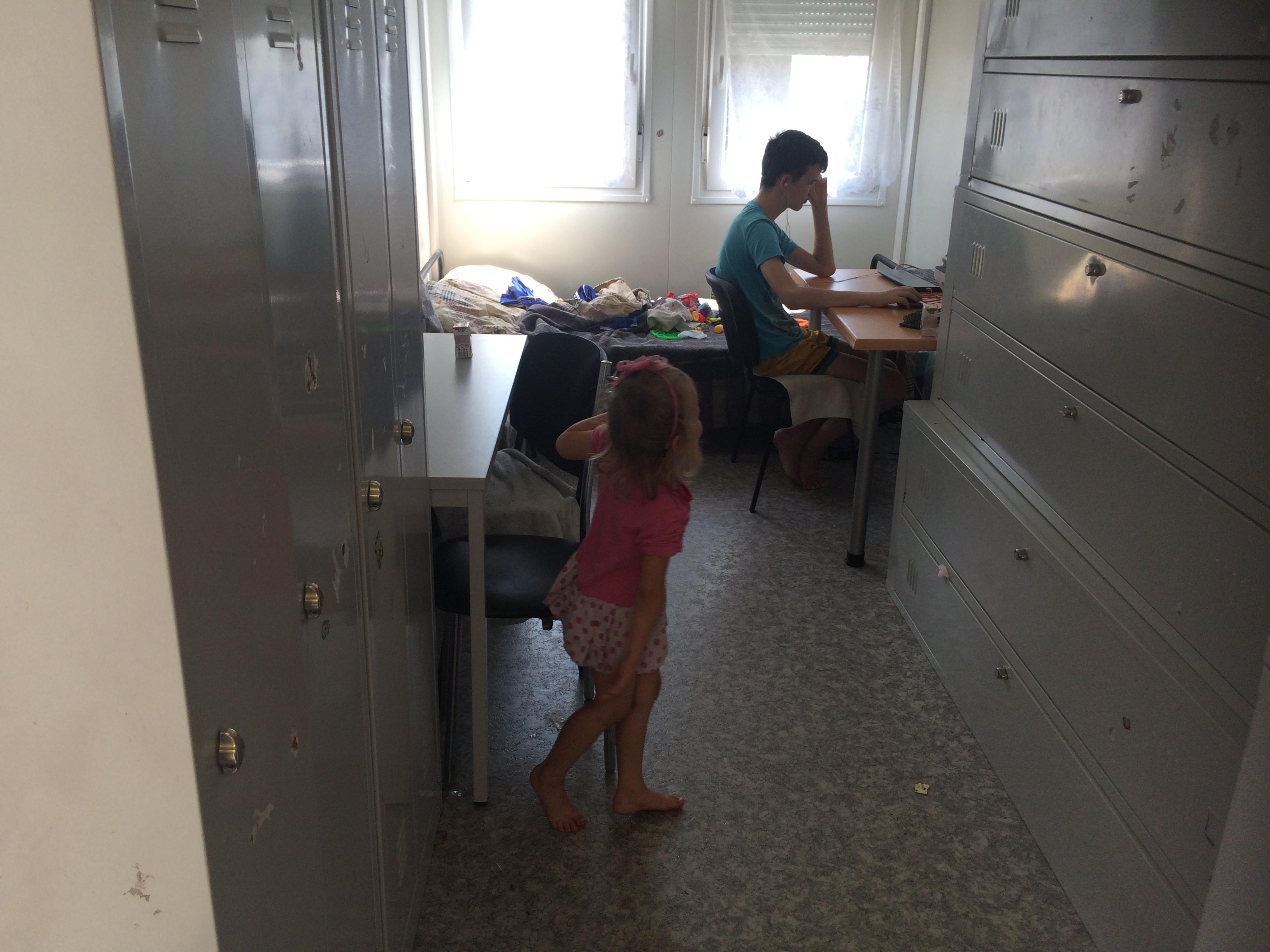 Платити втридорога: як у харківському модульному містечку переселенці з Донбасу переживають підвищення тарифів - фото 8
