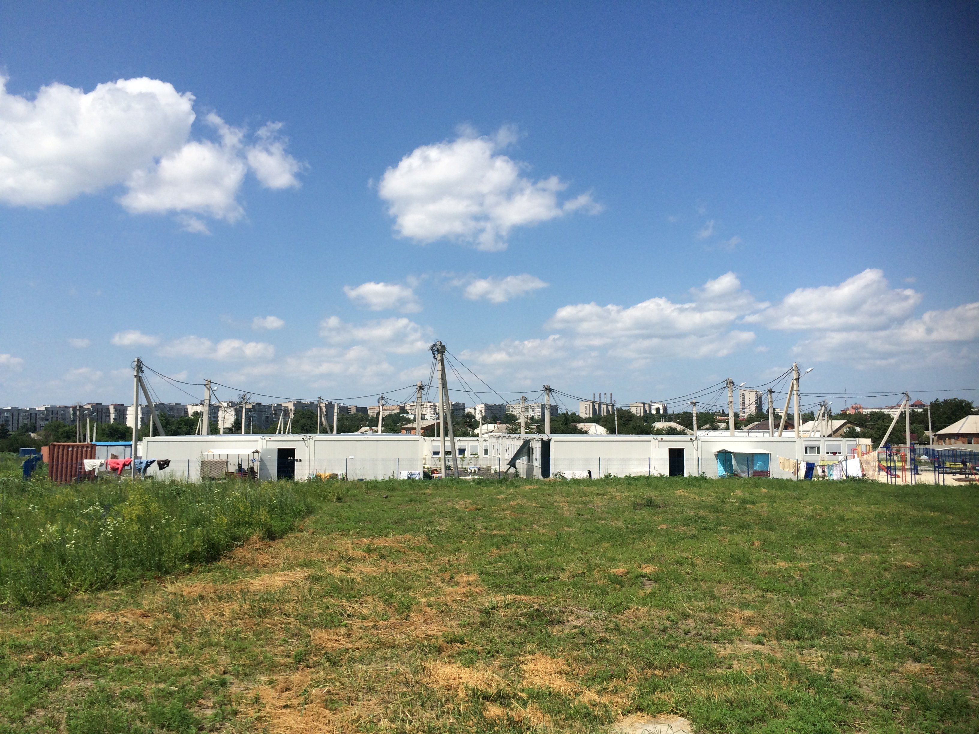 Платити втридорога: як у харківському модульному містечку переселенці з Донбасу переживають підвищення тарифів - фото 1